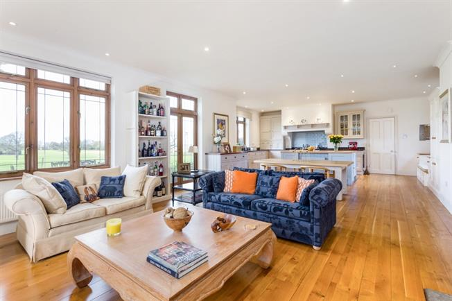 £5,000 per Calendar Month, 6 Bedroom Detached House To Rent in Sparsholt, SO21