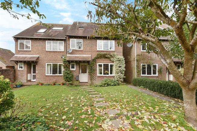 £1,400 per Calendar Month, 4 Bedroom Semi Detached House To Rent in Hursley, SO21
