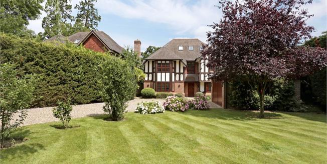 £5,400 per Calendar Month, 5 Bedroom Detached House To Rent in Windsor, SL4