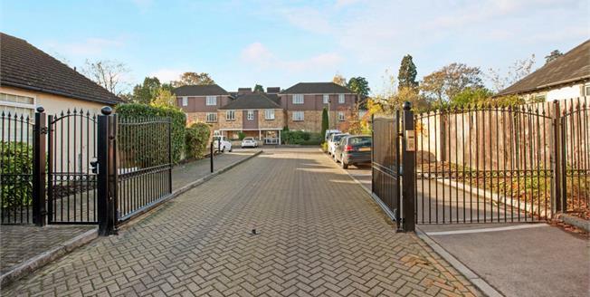 £1,095 per Calendar Month, 2 Bedroom Flat To Rent in Windsor, SL4
