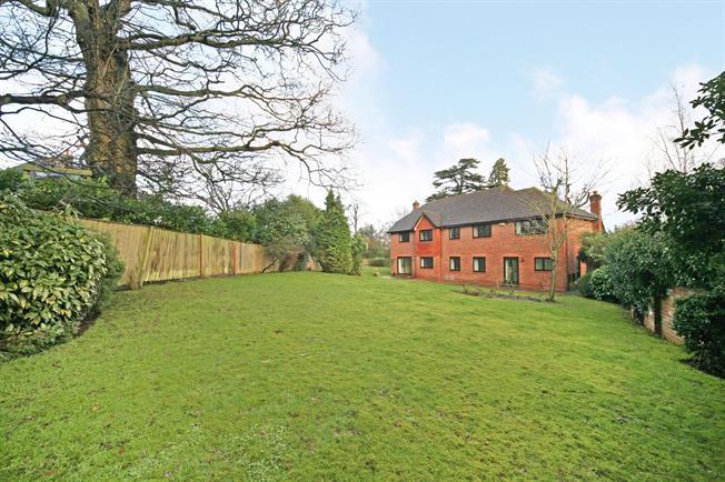 £4,500 per Calendar Month, 5 Bedroom Detached House To Rent in Windsor, SL4
