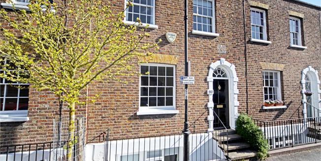 £1,695 per Calendar Month, 2 Bedroom Town House To Rent in Windsor, SL4