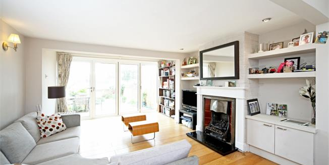 £2,000 per Calendar Month, 2 Bedroom Cottage House To Rent in Eton, SL4