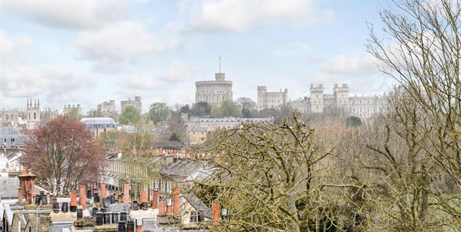 £7,500 per Calendar Month, 5 Bedroom Town House To Rent in Windsor, SL4
