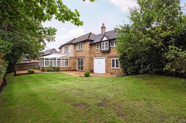 £4,950 per Calendar Month, 5 Bedroom Detached House To Rent in Egham, TW20
