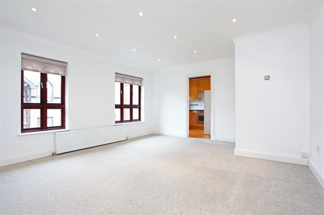 £1,295 per Calendar Month, 2 Bedroom Apartment To Rent in Windsor, SL4