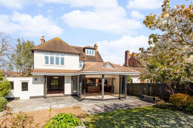 £4,995 per Calendar Month, 5 Bedroom Detached House To Rent in Windsor, SL4