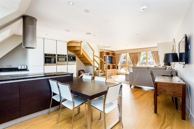 £3,500 per Calendar Month, 3 Bedroom Town House To Rent in Windsor, SL4