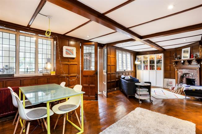 £1,895 per Calendar Month, 4 Bedroom Terraced House To Rent in Windsor, SL4