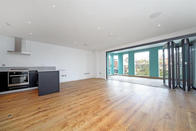 £2,400 per Calendar Month, 2 Bedroom Apartment To Rent in Windsor, SL4