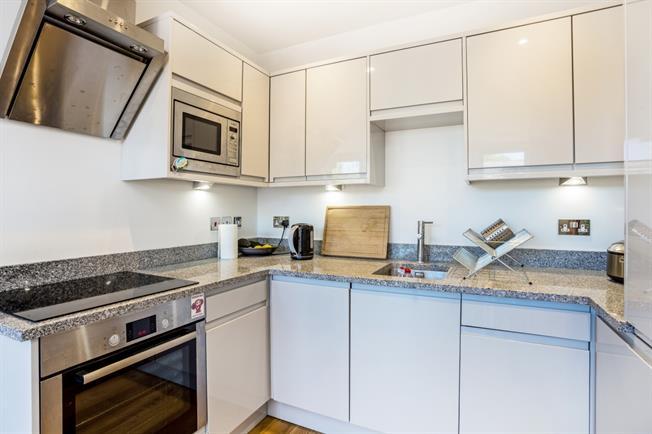 £1,725 per Calendar Month, 2 Bedroom Apartment To Rent in Windsor, SL4