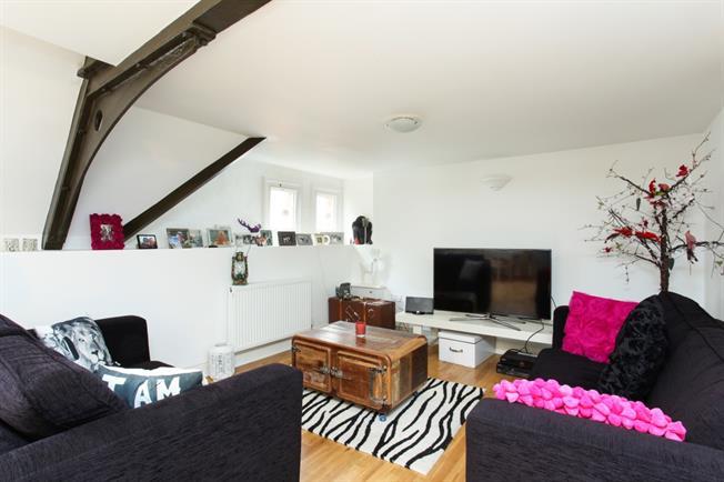 £1,320 per Calendar Month, 2 Bedroom Apartment To Rent in Windsor, SL4