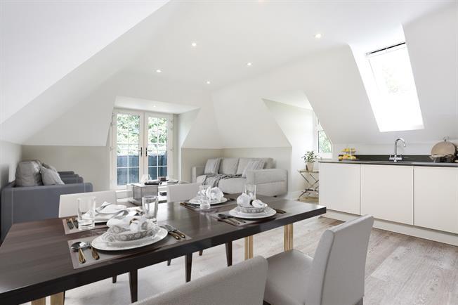 £1,750 per Calendar Month, 2 Bedroom Penthouse To Rent in Windsor, SL4