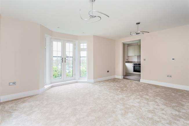 £1,695 per Calendar Month, 2 Bedroom Apartment To Rent in Windsor, SL4