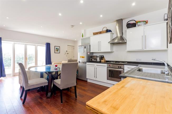 £1,475 per Calendar Month, 2 Bedroom Apartment To Rent in Windsor, SL4