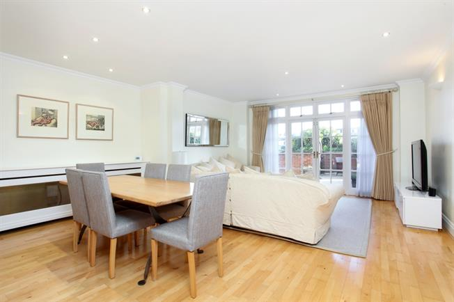 £3,999  per Calendar Month (Calculated), 2 Bedroom Apartment To Rent in Eton, SL4