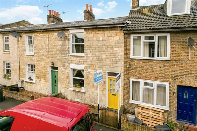 £1,195 per Calendar Month, 2 Bedroom Cottage House To Rent in Windsor, SL4