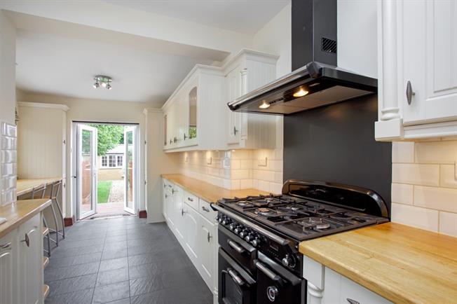 £1,995 per Calendar Month, 3 Bedroom Terraced House To Rent in Windsor, SL4