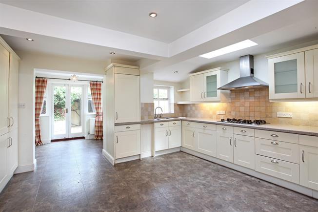£2,250 per Calendar Month, 4 Bedroom Terraced House To Rent in Windsor, SL4