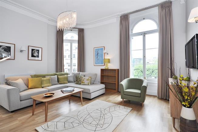 £4,311  per Calendar Month (Calculated), 2 Bedroom Apartment To Rent in London, SW1A