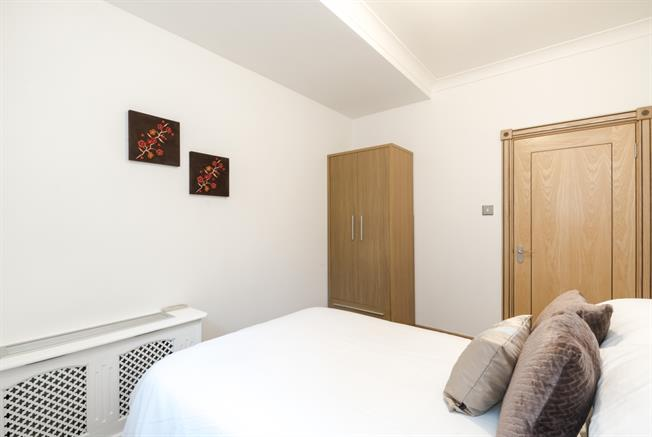 £2,816  per Calendar Month (Calculated), 2 Bedroom Flat To Rent in London, W1K