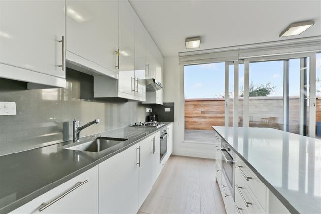 £2,800 per Calendar Month, 2 Bedroom Flat To Rent in London, W5