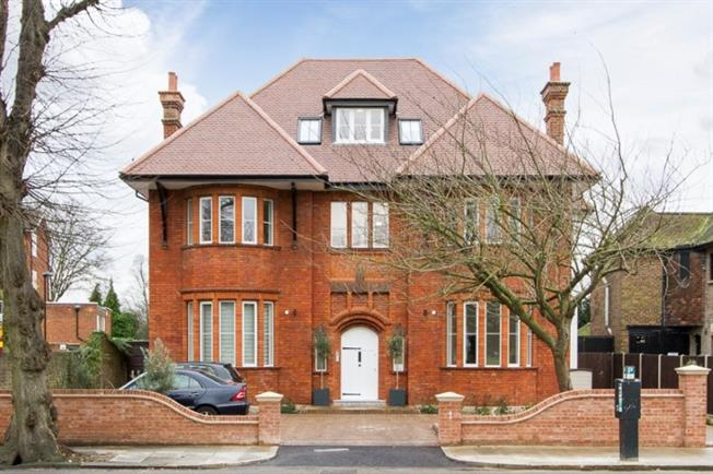 £3,500 per Calendar Month, 3 Bedroom Apartment To Rent in London, W5