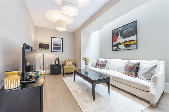 £2,450 per Calendar Month, 2 Bedroom Flat To Rent in London, W5