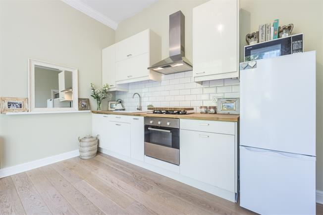 £1,987 per Calendar Month, 1 Bedroom Apartment To Rent in London, W5