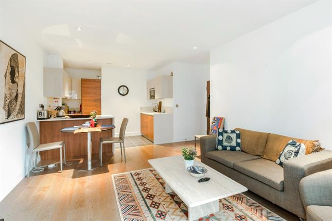 £2,450 per Calendar Month, 2 Bedroom Apartment To Rent in London, W5