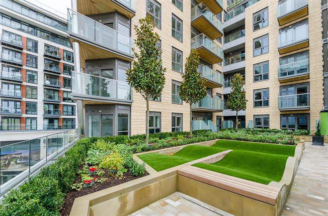 £2,800 per Calendar Month, 2 Bedroom Apartment To Rent in London, W5