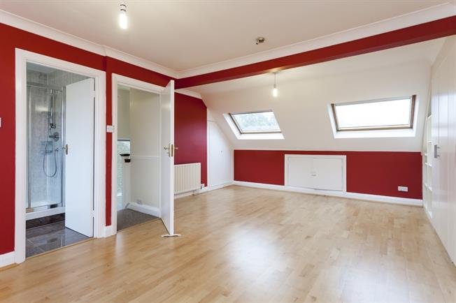 £2,800 per Calendar Month, 4 Bedroom House To Rent in London, W5