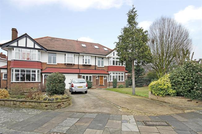 £4,800 per Calendar Month, 5 Bedroom House To Rent in London, W5