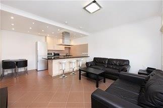 £2,000 per Calendar Month, 2 Bedroom Flat To Rent in London, W13