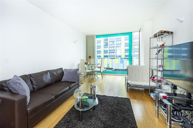 £1,100 per Calendar Month, 1 Bedroom Apartment To Rent in Hayes, UB3