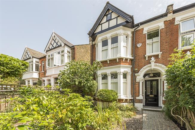 £3,000 per Calendar Month, 4 Bedroom Semi Detached House To Rent in London, W13