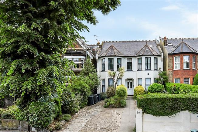 £1,550 per Calendar Month, 1 Bedroom Flat To Rent in London, W5