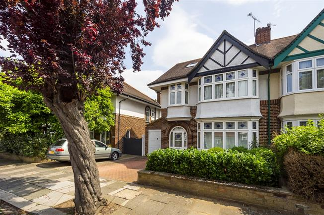 £4,500 per Calendar Month, 5 Bedroom Semi Detached House To Rent in London, W5