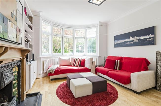£3,293  per Calendar Month (Calculated), 5 Bedroom House To Rent in London, N10