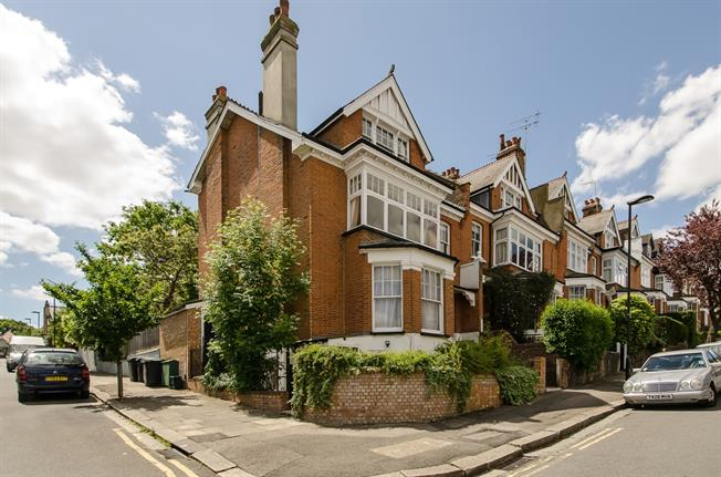 £2,578  per Calendar Month (Calculated), 4 Bedroom Flat To Rent in London, N10
