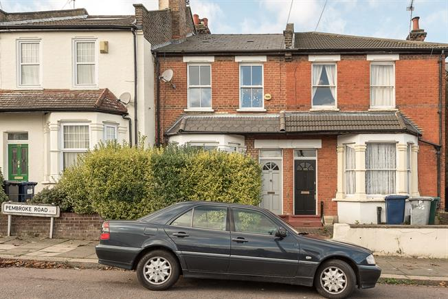 £2,800 per Calendar Month, 4 Bedroom House To Rent in London, N10