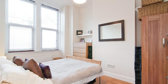 £3,011  per Calendar Month (Calculated), 2 Bedroom Flat To Rent in London, N2