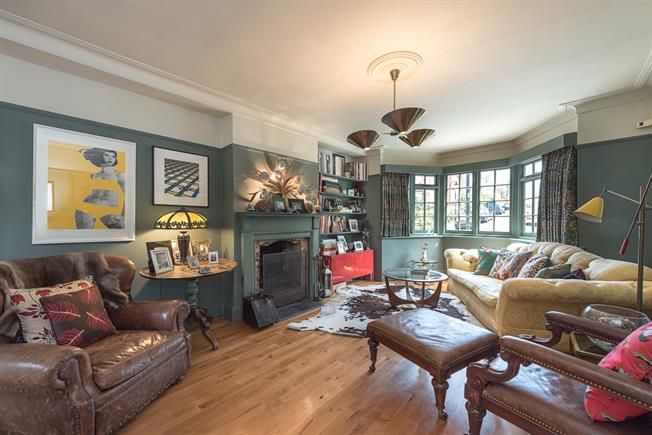 £4,311  per Calendar Month (Calculated), 4 Bedroom Semi Detached House To Rent in London, N8