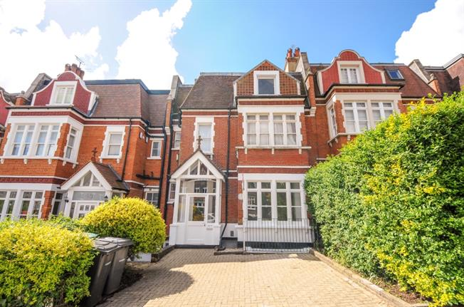 £2,816  per Calendar Month (Calculated), 4 Bedroom Flat To Rent in London, N10