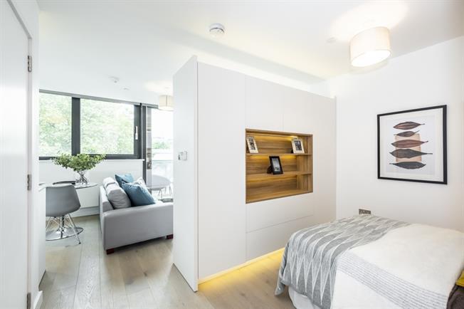 £1,600 per Calendar Month, Flat To Rent in London, N19
