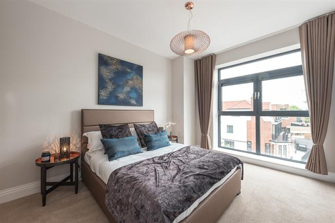 £2,145  per Calendar Month (Calculated), 2 Bedroom Apartment To Rent in London, N10