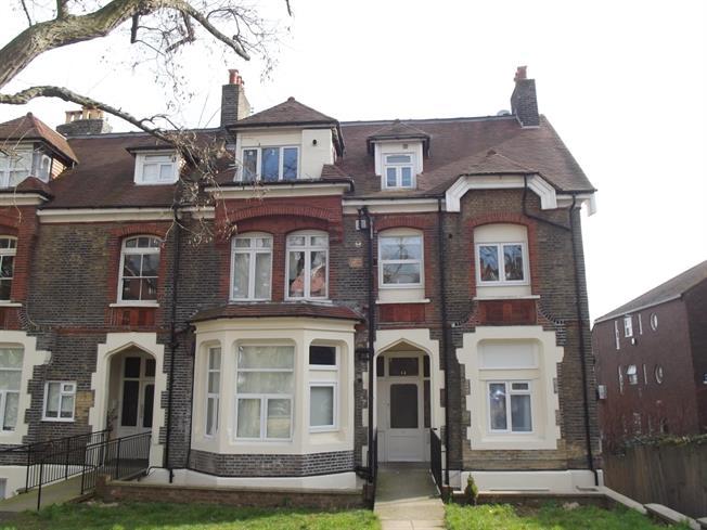 £975 per Calendar Month, Flat To Rent in London, N4
