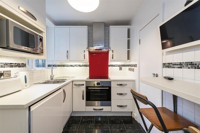 £1,575 per Calendar Month, 2 Bedroom Flat To Rent in London, N10