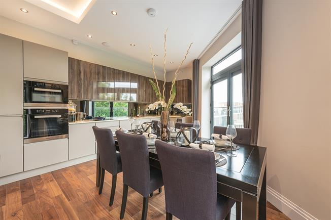 £2,925  per Calendar Month (Calculated), 2 Bedroom Apartment To Rent in London, N10