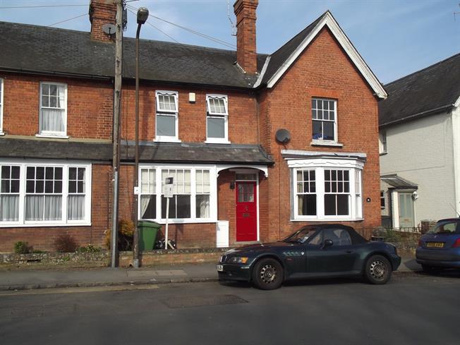 £1,595 per Calendar Month, 3 Bedroom Terraced House To Rent in Marlow, Buckinghamshire, SL7